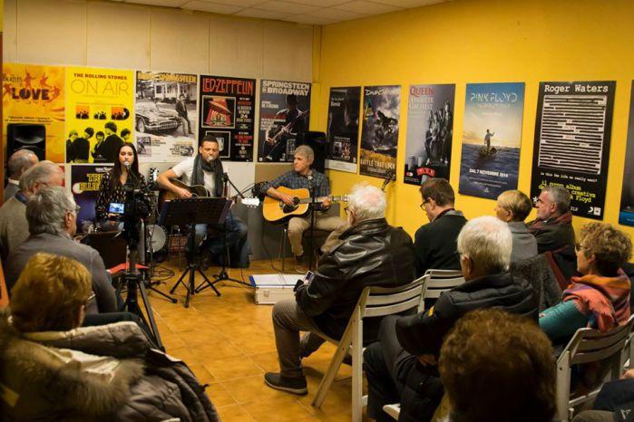 Sara Pereira da Silva-the infinite inside-saul-evento musicale-evento maccagno-casa editrice costruttori di pace